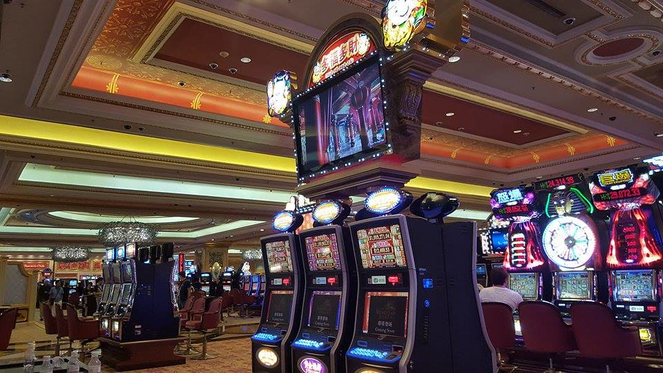 Are you looking for some additional source of money- Go with online casinos!
