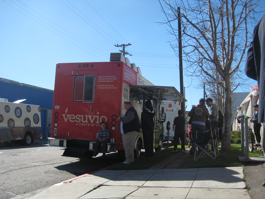 How to Succeed With a Food Truck Business
